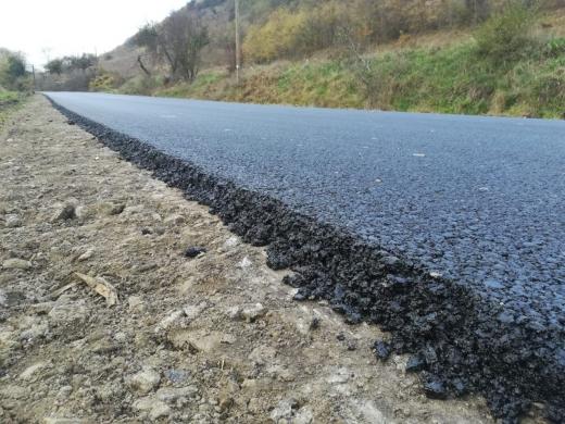 Drumul județean din Fizeșu Gherlii a intrat în asfaltare