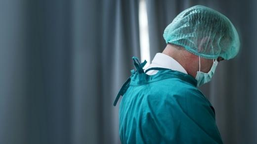 """Programul INFERNAL al unui medic ATI dintr-un spital COVID19: O săptămână în spital, o săptămână în izolare. """"Impactul emoțional e imens!""""."""