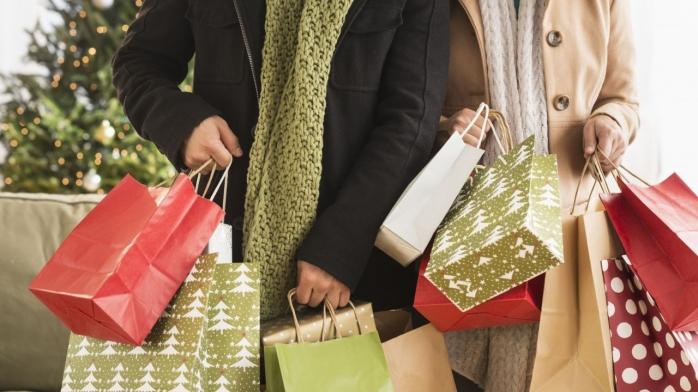 Sărbătoriile vin cu restricții. 5 moduri prin care cumpărăturile de Crăciun vor fi total diferite în 2020