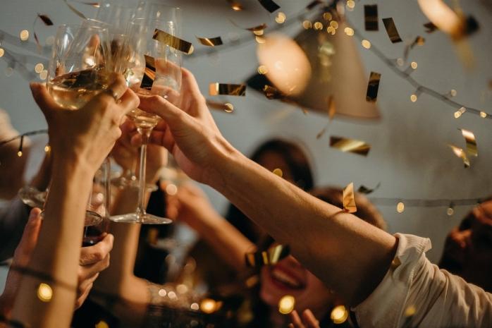 Câți invitați poți avea acasă de Crăciun și Revelion?