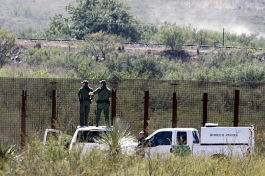 Garda Civilă norvegiană patrulează la graniță din cauza creșterii numărului de cazuri COVID19 și decese în Suedia