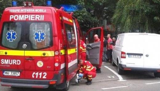 Bărbat prăbușit pe strada, în Huedin. Echipajul SMURD îl resuscitează