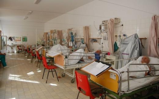 Clujul, fruntaș la numărul de bolnavi COVID-19 care s-au vindecat după ce au fost intubați la ATI