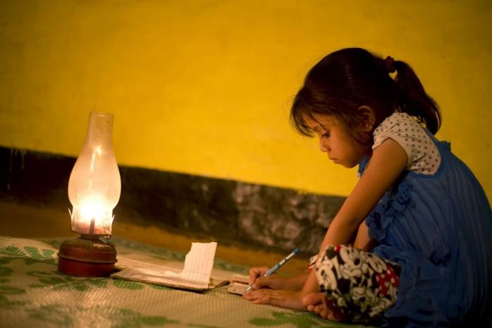 un-milion-de-copii-nu-au-avut-acces-la-educatie-in-ultimele-luni-dupa-ce-toate-scolile-din-tara-au-trecut-pe-scenariul-rosu