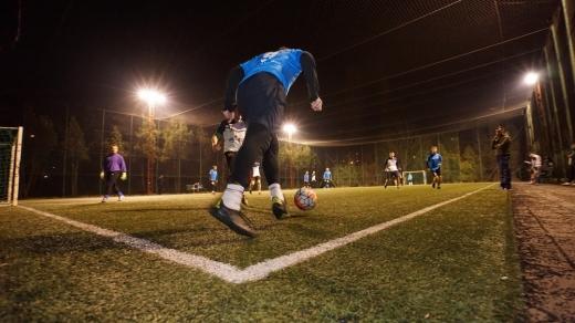 Meciuri de fotbal în plină pandemie de COVID19, în centrul Clujului. Autoritățile nu iau măsuri