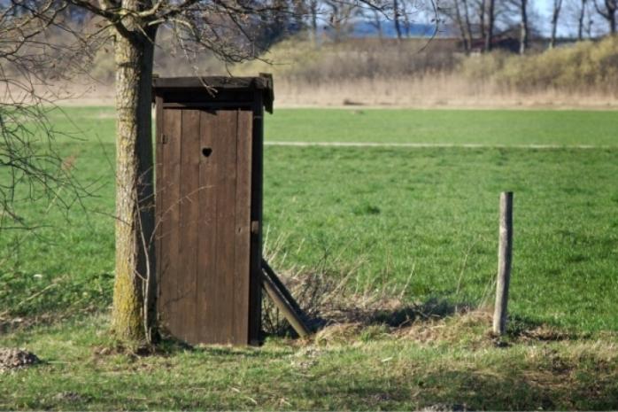 romania-tara-cu-cele-mai-multe-toalete-in-curte-peste-24-din-populatie-nu-are-toaleta-in-interiorul-locuintei