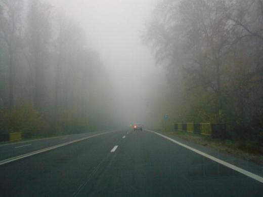 COD GALBEN de ceaţă în judeţul Cluj! Vizibilitate sub 50 de metri în anumite locuri