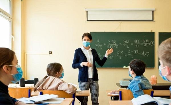 Când se redeschid şcolile în România. Ludovic Orban a făcut anunţul aşteptat de părinţi
