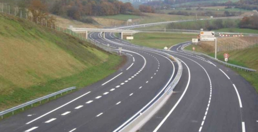 Autostrada Nordului, promulgată de președinte. Cât vor dura lucrările și când ar trebui să înceapă