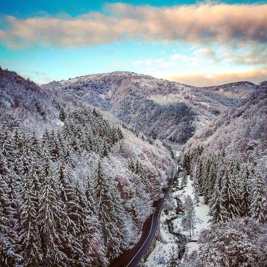 A venit iarna! Peisaje spectaculoase din munții Clujului. GALERIE FOTO/VIDEO