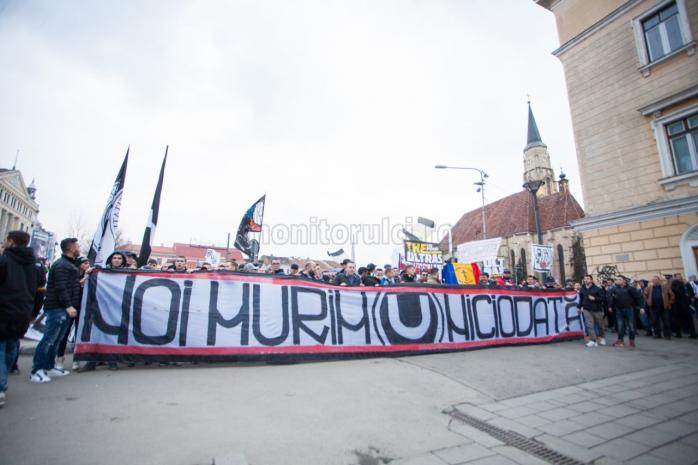 """""""U"""" Cluj la 101 ani! Două culori, o singură iubire..."""