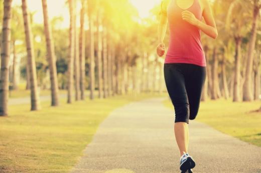 Oamenii care fac sport regulat prezintă un risc mai mic de spitalizare dacă sunt infectați cu COVID19