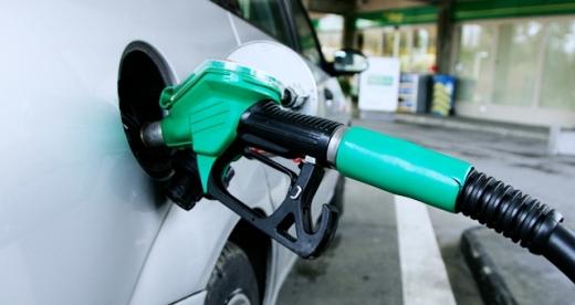 Benzina, motorina și țigările SE SCUMPESC de la 1 ianuarie