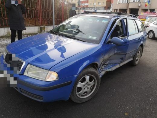 ACCIDENT pe strada Fabricii! Un bărbat a ajuns la spital