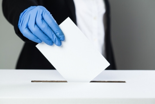 Cum au votat românii astăzi? Cum au votat acum 4 ani? PSD a scăzut, PNL și USR au crescut în opțiunile alegătorilor.