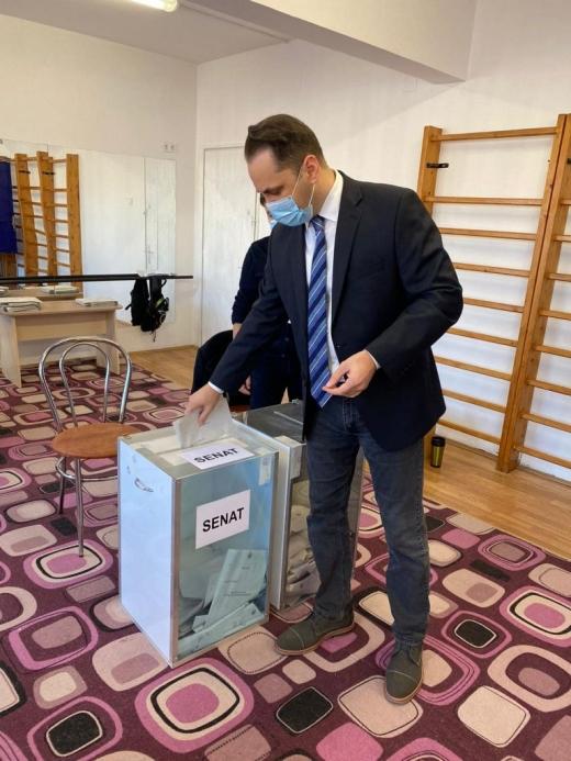 """Vasile Cristian Lungu, la vot: """"Azi am votat cu un singur gând, România!"""""""
