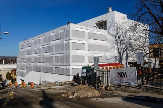 Un nou parking este aproape finalizat. Cum arată și câte locuri de parcare are? FOTO