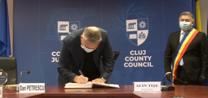 """Dan Petrescu a primit titlul de """"Clujean de Onoare"""" pentru activitatea la CFR Cluj"""