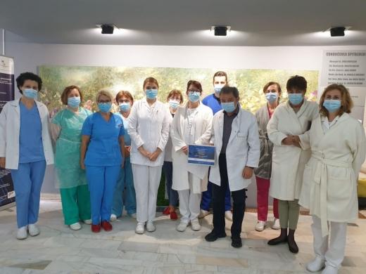 """Eroii """"în alb"""", cetățeni de onoare ai Clujului. Medicii din 16 spitale vor primi titlul onorific"""