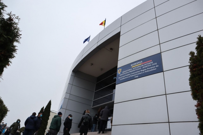 Taxele pentru permise și înmatriculări pot fi plătit online de acum la Cluj