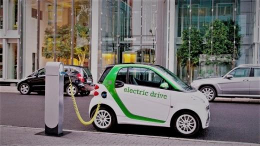 51 de autorizații noi pentru taxiurile electrice, la Cluj-Napoca