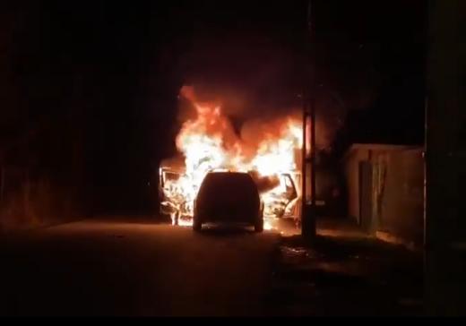Mașină ÎN FLĂCĂRI în Zorilor! A ars ca o torță. FOTO/VIDEO