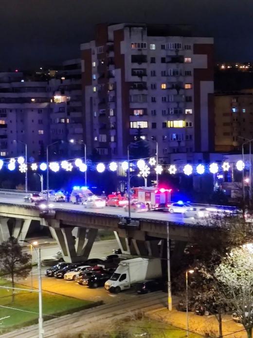 Accident cu două mașini, pe podul Calvaria! O femeie a fost rănită. FOTO