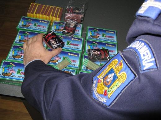 Vânzătorii de artificii și petarde, obligați să dețină autorizație! Amenzi de 15.000 de lei și ani grei de închisoare pentru încălcarea legii