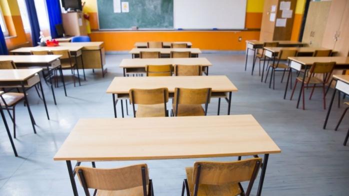 """Școlile din Cluj s-ar putea redeschide după sărbători. Prefect: """"Totul depinde de cum evoluează pandemia în perioada Crăciunului"""""""