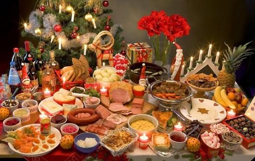 Masa de Crăciun, plină cu bunătăți. Românii alocă jumătate din bugetul de sărbători pe mâncare