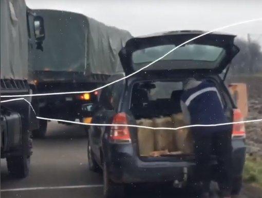 """Motorină furată din camioanele Armatei într-o parcare din Cluj. """"Ia, băieți, cum se fură motorină din Armată!"""""""