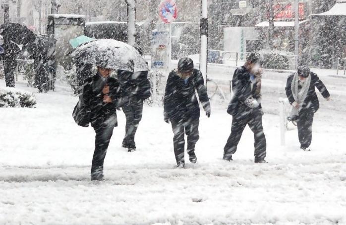 Vremea de Sărbători și în primele zile ale anului 2021. Unde va ninge de Crăciun?