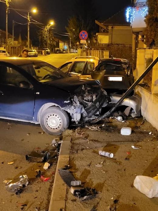 Accident într-o intersecție din Gheorgheni, la miez de noapte. Șoferii au scăpat fără zgârieturi
