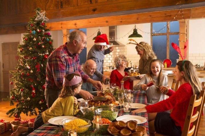 Dispariția pandemiei, cel mai dorit cadou de Crăciun. Ce obiceiuri de sărbători nu se pierd nici în anul pandemic?