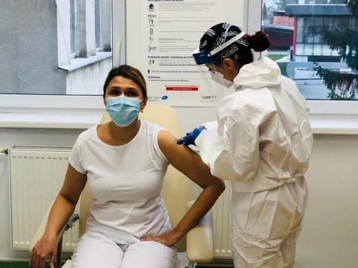 Primii medici vaccinați la Spitalul de Boli Infecțioase Cluj - GALERIE FOTO