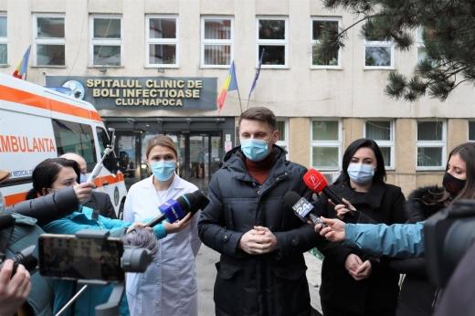 """Prefect Cluj: """"Vaccinarea este gratuită, sigură, voluntară și necondiționată"""". Cum se fac programările?"""