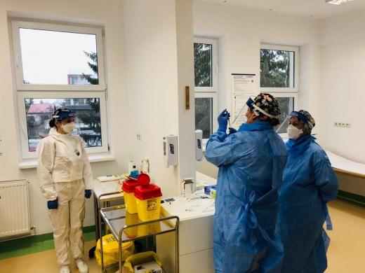 165 de persoane au fost vaccinate la Cluj. O singura asistentă a avut reacții adverse