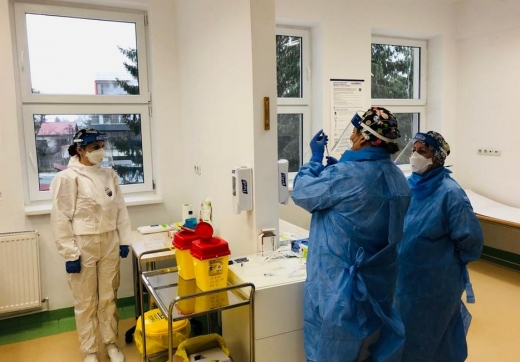 12.000 de cadre medicale din Cluj se vor vaccina împotriva COVID19 după Anul Nou. Câți medici s-au vaccinat până acum?
