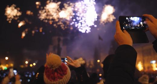 Revelionul în Cluj pe când COVID-19 nu exista. Momente de neuitat de când sute de clujeni se strângeau în Centru de Anul Nou. FOTO/VIDEO