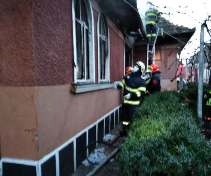 Explozie și incendiu la o casă din Câmpia Turzii. O femeie a murit și un bărbat a ajuns la spital - FOTO/VIDEO
