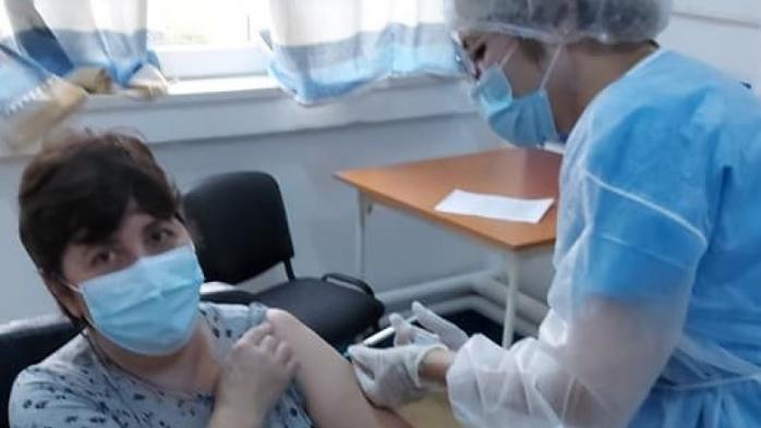 Un spital din România vaccinează pe oricine dorește! Managerul a explicat de ce a luat această decizie