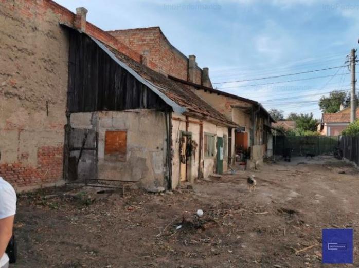 Cocioabă la preț de palat! O casă în paragină din Cluj-Napoca, la vânzare cu 137.000 euro. Culmea nesimțirii!