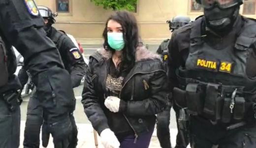 Româncă, condamnată la închisoare cu executare pentru propagandă teroristă. Câți ani va petrece după gratii?