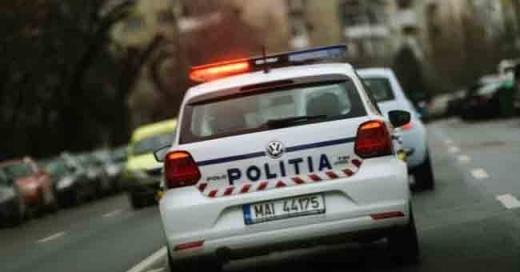 Șofer beat, urmărit de polițiști prin Gherla! Tânărul s-a ascuns sub o mașină pentru a scăpa de poliție