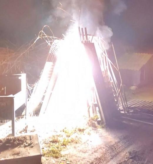 INCENDIU pe drumul Sfântul Ioan, Cluj-Napoca! A luat foc branșamentul pentru alimentarea cu energie electrică. VIDEO