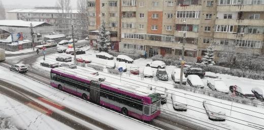 Ninge ca-n povești la Cluj-Napoca! Tot orașul e acoperit cu zăpadă. GALERIE FOTO