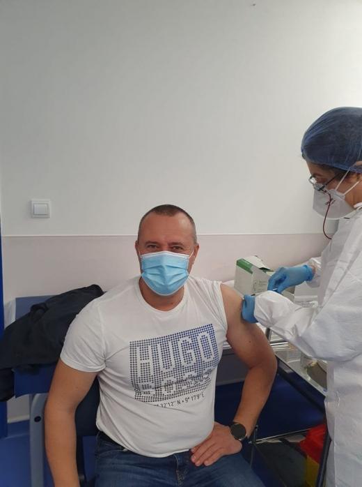 """Un primar """"nerăbdător"""" a sărit peste rând și s-a vaccinat anti-COVID în etapa dedicată medicilor"""