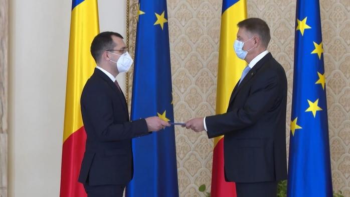 """Liberalii """"îi declară război"""" ministrului Voiculescu. Mize uriașe în ministerul Sănătății, dat de Orban USR-ului. Iohannis încearcă să aplaneze conflictul"""