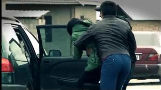 Fată de 15 ani, răpită pe o stradă din Cluj-Napoca. Polițiștii au reținut două persoane
