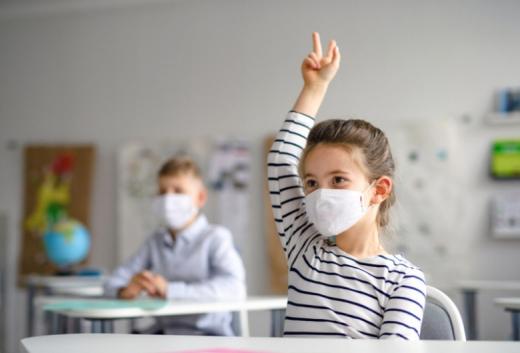 Elevii și profesorii vor fi testați cu teste rapide antigen, din 8 februarie, în cabinetele școlilor